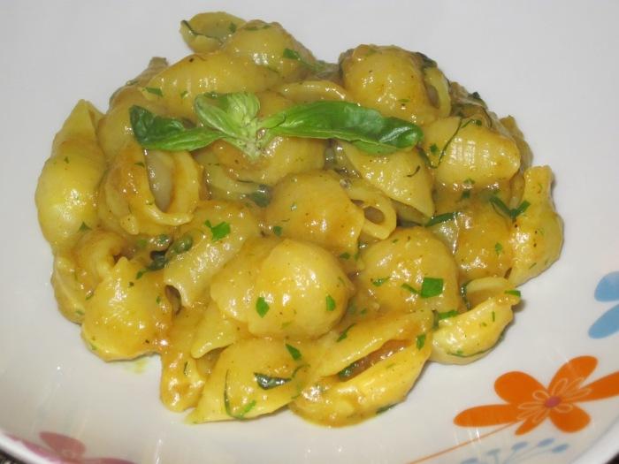 Pasta Curry e Basilico